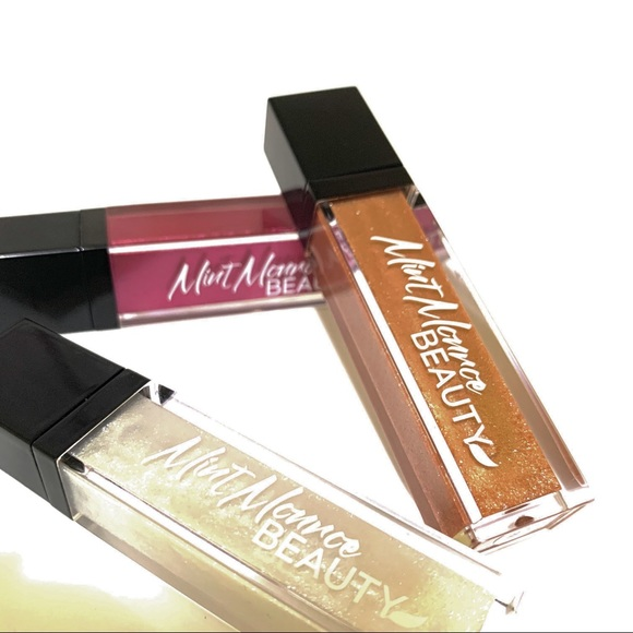 MINT MONROE BEAUTY Other - Pearl Luxe Shimmer Lipgloss Collection
